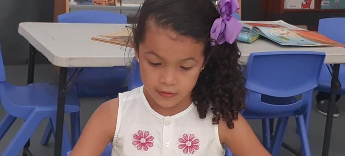 Manuela Orozco Franco, de 7 años, protagonista de la Feria del Libro de Cali