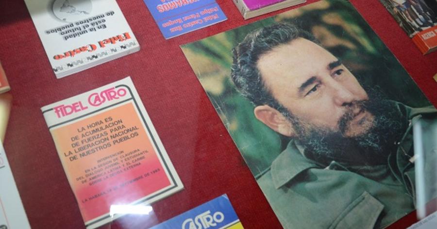 Ayer se inauguró la Muestra Bibliográfica Fidel por siempre entre nosotros