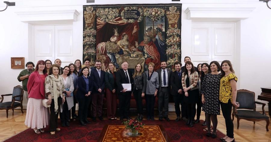 Implementadas más de la mitad de las medidas de la Política Nacional de la Lectura y el Libro 2015 – 2020 de Chile