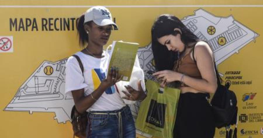 El libro digital abre los debates profesionales en la FIL de La Habana