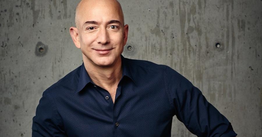 Jeff Bezos cederá el mando de Amazon