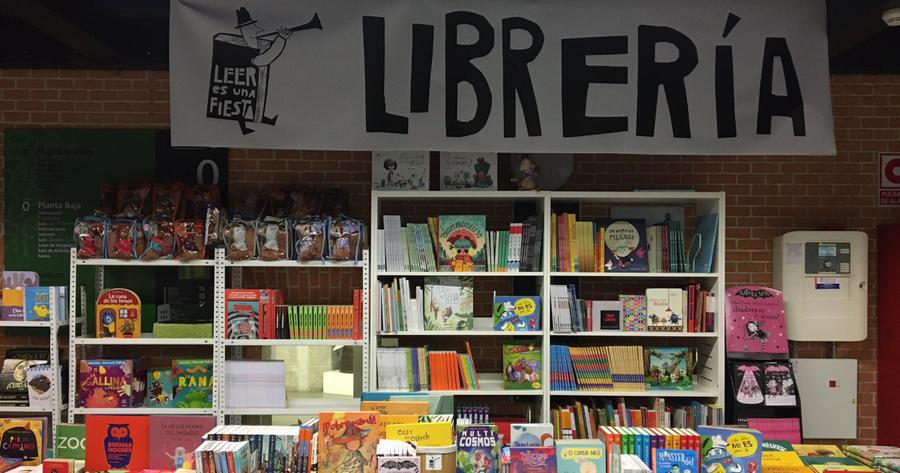 Libros hay más que uno, pero a ti te encontré en la calle