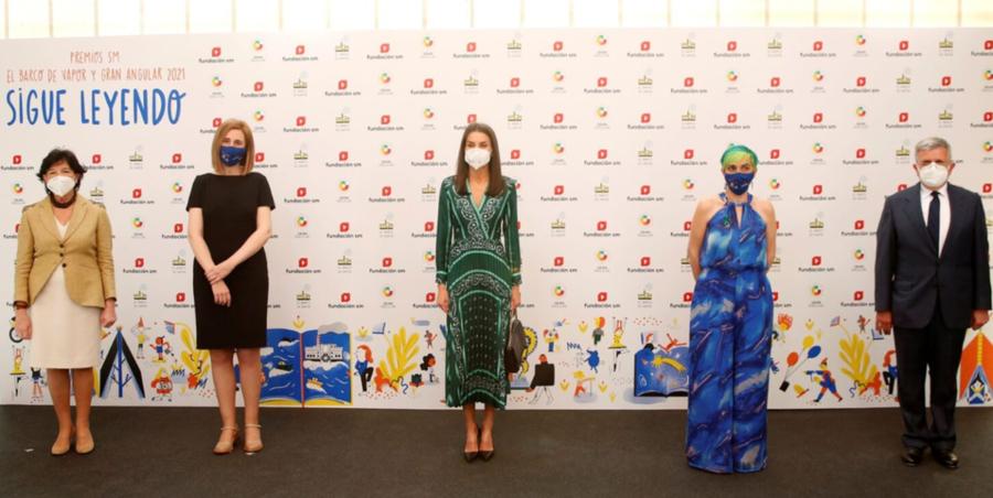 Los madrileños Beatriz Osés y Chiki Fabregart reciben los premios Barco de Vapor y Gran Angular, respectivamente