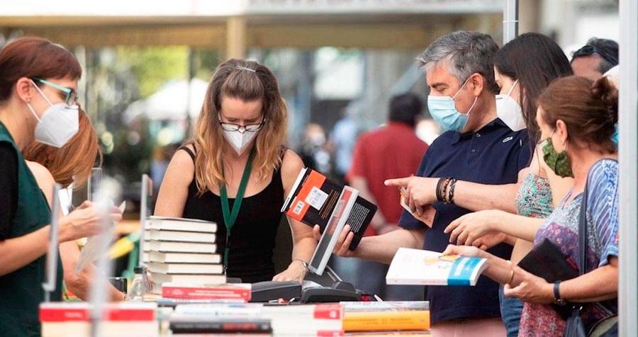 Los grandes nombres de la literatura contemporanea vuelven a la lista de más vendidos en la semana de Sant Jordi