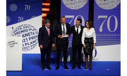 Tres hombres y un destino: La sorpresa del Premio Planeta