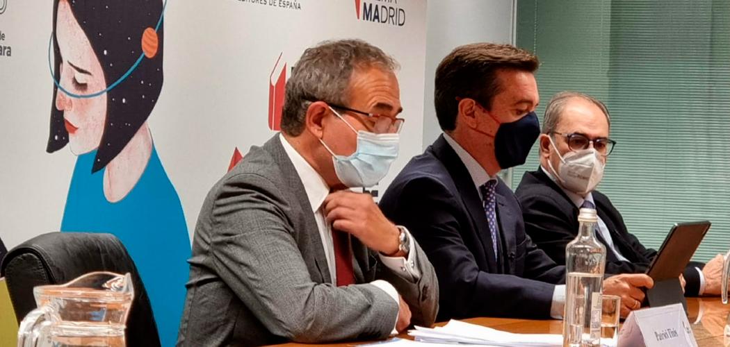 Análisis del mercado editorial en España 2020: las ventas exteriores cayeron un 26 % y el comercio interior aumentó un 0,8 % durante el año de la pandemia